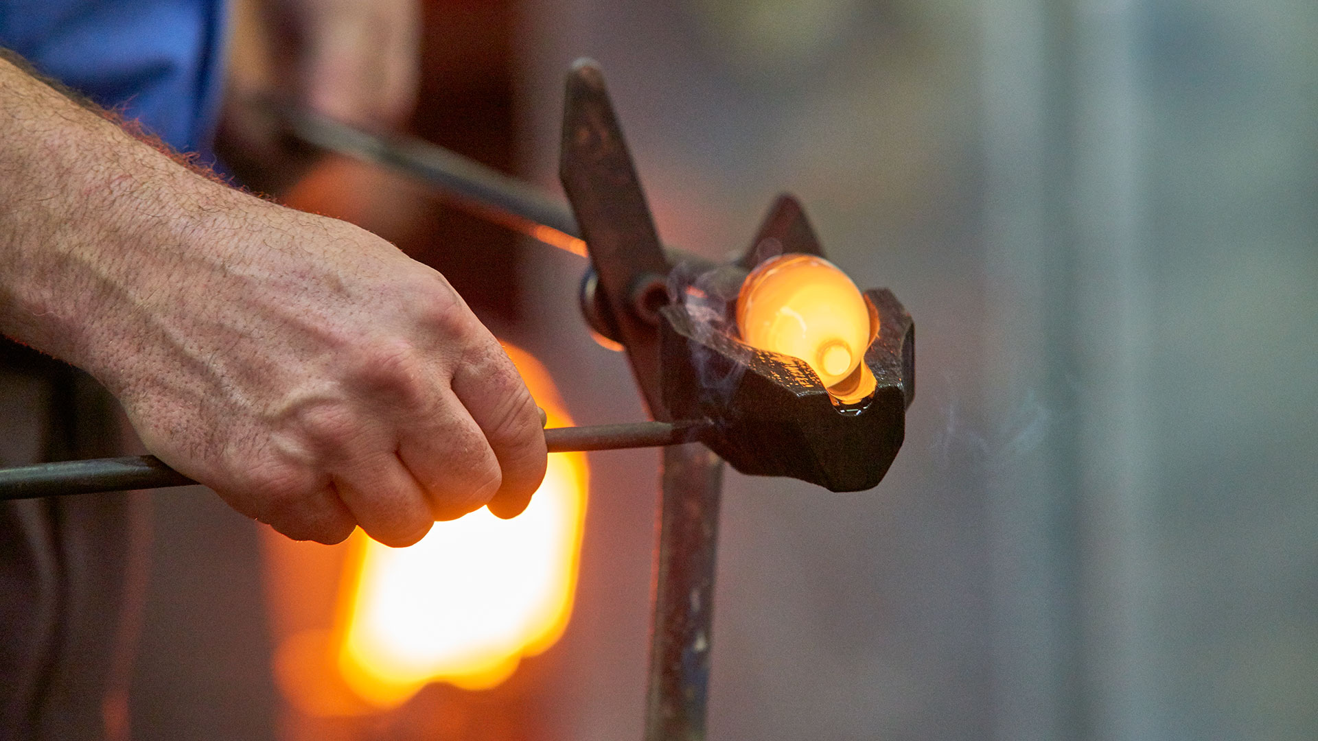 hand glass blowing rona glass